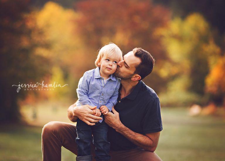 dad son kissing seattle wa