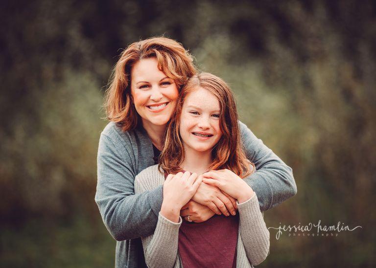 mom daughter image